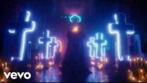 Video: Iggy Azalea - Savior (feat. Quavo)